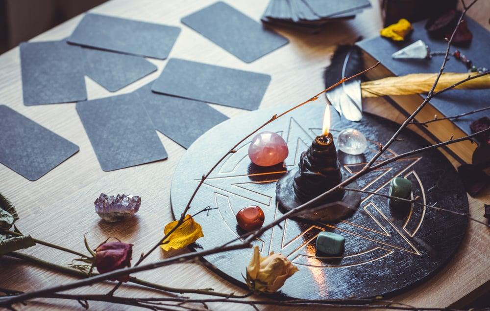 Kako postaviti tarot karte